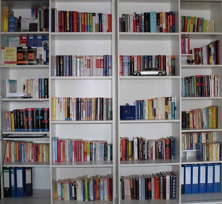 WS Bücherregal zweite Ansicht