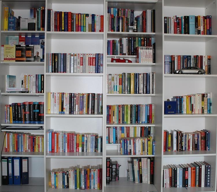 WS Bücherregal vierte Ansicht