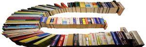 Eurozeichen - mit Büchern dargestellt